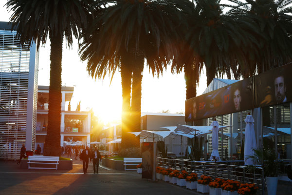 Autodromo Hermanos Rodriguez, Mexico City, Mexico. Friday 27 October 2017. Personnel arrive in the paddock at sunrise. World Copyright: Steven Tee/LAT Images  ref: Digital Image _O3I5392