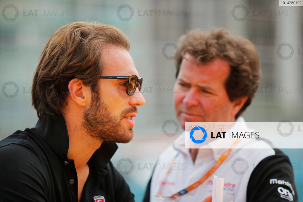 2014 FIA Formula E Championship. Punta del Este ePrix, Uruguay. Trevor Carlin, Mahindra Racing and Jean-Eric Vergne (FRA)/Andretti Motorsport - Spark-Renault SRT_01E. Photo: Zak Mauger/LAT/FE ref: Digital Image _MG_1342
