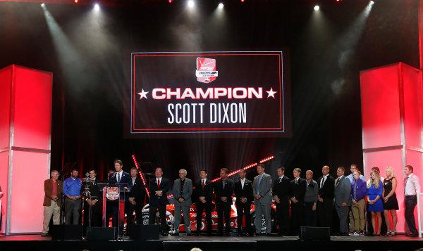 31 August, 2015, San Francisco, California, USA Champion Scott Dixon and team © 2015, Michael L. Levitt LAT Photo USA