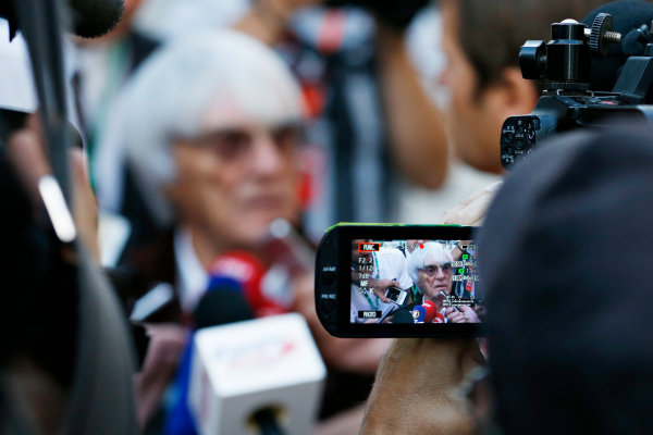 Sochi Autodrom, Sochi, Russia. Thursday 8 October 2015. Bernie Ecclestone, CEO and President, FOM.  World Copyright: Charles Coates/LAT Photographic ref: Digital Image _J5R7438
