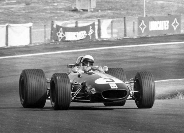 1968 Spanish Grand Prix.Jarama, Spain. 12 May 1968.Jack Brabham, Brabham BT26-Repco, did not start, action.World Copyright: LAT PhotographicRef: Autosport b&w print