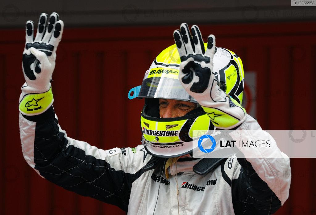 2009 Spanish Grand Prix - Sunday Circuit de Catalunya, Barcelona, Spain 10th May 2009 Jenson Button, Brawn BGP001 Mercedes, celebrates victory in Parc Ferme. Portrait. Helmets. Finish. World Copyright: Steve Etherington/LAT Photographic ref: Digital Image ESP_3278-H