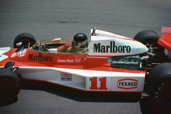 Monte Carlo, Monaco. 27th - 30th May 1976. James Hunt (McLaren M23-Ford), retired, action.  World Copyright: LAT Photographic.  Ref:  76 MON 47.