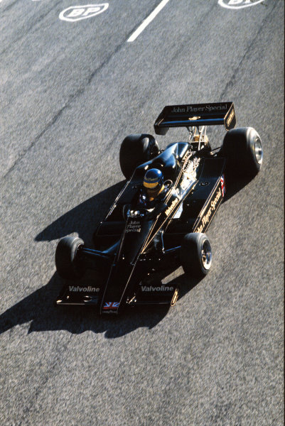 Paul Ricard, France. Ronnie Peterson (Lotus 78-Ford), testing, action.  World Copyright: LAT Photographic. Ref: 78F103