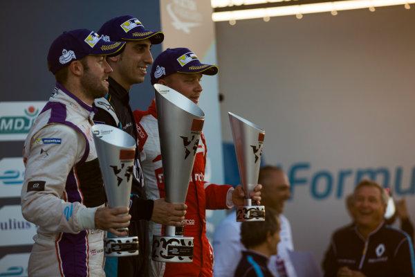 2016/2017 FIA Formula E Championship. Marrakesh ePrix, Circuit International Automobile Moulay El Hassan, Marrakesh, Morocco. Sebastien Buemi (SUI), Renault e.Dams, Spark-Renault, Renault Z.E 16 (1st), Sam Bird (GBR), DS Virgin Racing, Spark-Citroen, Virgin DSV-02 (2nd), and Felix Rosenqvist (SWE), Mahindra Racing, Spark-Mahindra, Mahindra M3ELECTRO (3rd) Saturday 12 November 2016. Photo: Sam Bloxham/LAT/Formula E ref: Digital Image _SBB7798