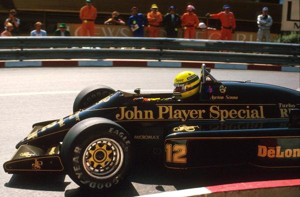 Monte Carlo, Monaco.8-11 May 1986.Ayrton Senna (Lotus 98T Renault) 2nd position at Loews Hairpin.Ref-86 MON 15.World Copyright - LAT Photographic