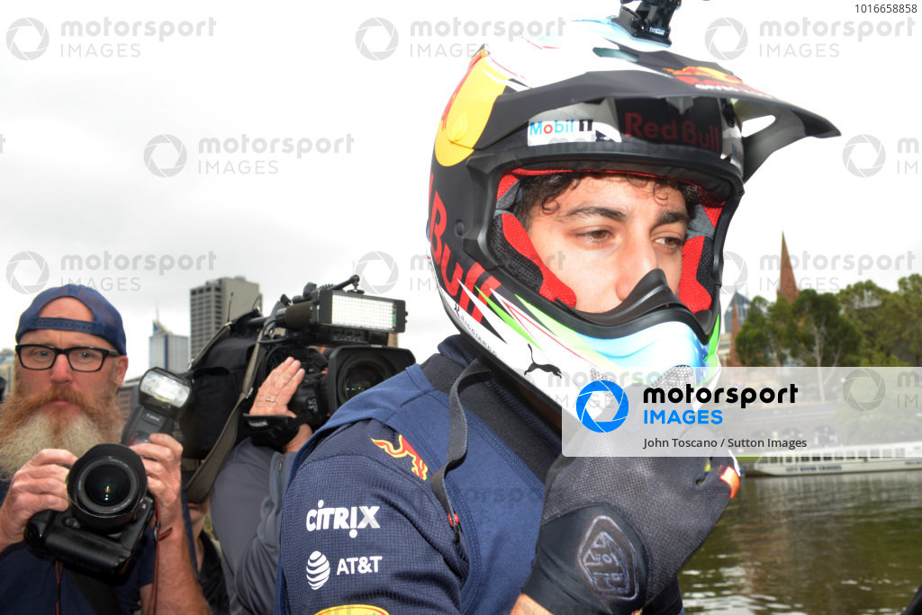 Daniel Ricciardo (AUS) Red Bull Racing takes part in a dinghy race on the Yarra River at Formula One World Championship, Rd1, Australian Grand Prix, Preparations, Albert Park, Melbourne, Australia, Wednesday 22 March 2017.