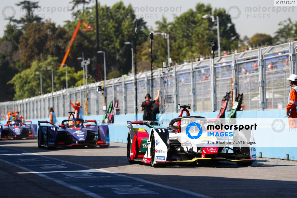 Lucas Di Grassi (BRA), Audi Sport ABT Schaeffler, Audi e-tron FE05, leaves the pit lane, followed by Robin Frijns (NLD), Envision Virgin Racing, Audi e-tron FE05 and Sam Bird (GBR), Envision Virgin Racing, Audi e-tron FE05
