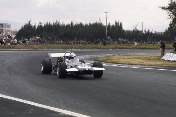 1969 Mexican Grand Prix.  Mexico City, Mexico. 17-19th October 1969.  Piers Courage, Brabham BT26A Ford.  Ref: 69MEX17. World Copyright: LAT Photographic