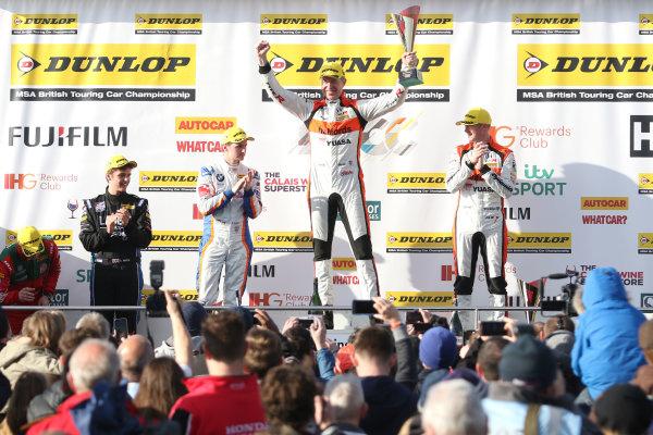 2016 British Touring Car Championship, Donington Park, 16th-17th April 2016 Matt Neal (GBR) Halfords Yuasa Racing, Honda Civic Type R  World Copyright. Jakob Ebrey/LAT photographic