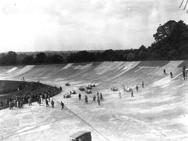 Brooklands, Great Britain. 7 August 1926. Albert Divo (Talbot 700) leads at the start. World Copyright: LAT Photographic. Ref: Autocar Glass Plate A6513.