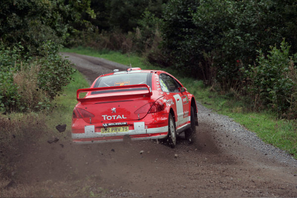2004 FIA World Rally Champs. Round twelve, Wales Rally GB.16th- 19th September 2004.Marcus Gronholm, Peugeot, action.World Copyright: McKlein/LAT