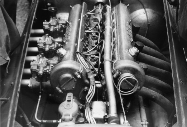 1952 Italian Grand Prix.Monza, Italy. 7 September 1952.New OSCA engine. Ref-52/51 #14A.World Copyright - LAT Photographic