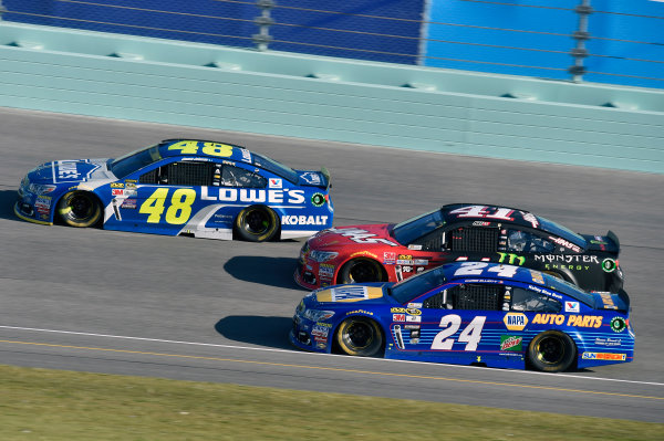18-20 November, 2016, Homestead, Florida USA Jimmie Johnson, Chase Elliott and Kurt Busch ? 2016, Nigel Kinrade LAT Photo USA