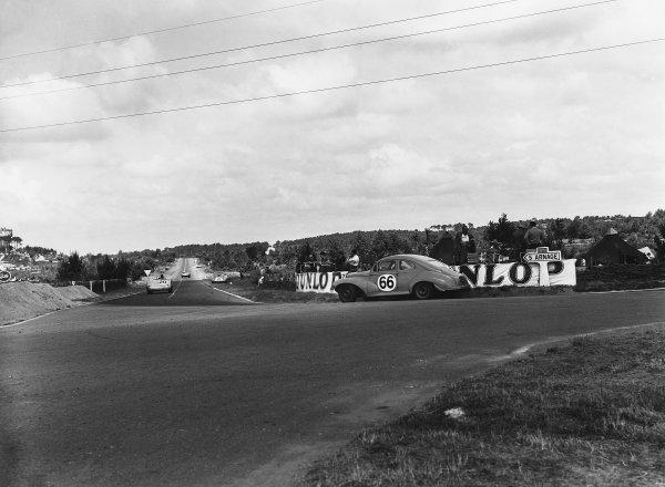 Le Mans, France. 13th - 14th June 1953 Alexis Constantin/Michel Arnaud (Constantin 203C Peugeot), Not Classified, action. World Copyright: LAT Photographic Ref: Autocar Glass Plate C36000.