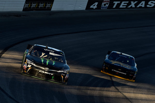 6-7 November, 2015, Fort Worth, Texas USA Kyle Busch, Monster Energy Toyota Camry (54), Brendan Gaughan (62) ?2015, John Harrelson / LAT Photo USA