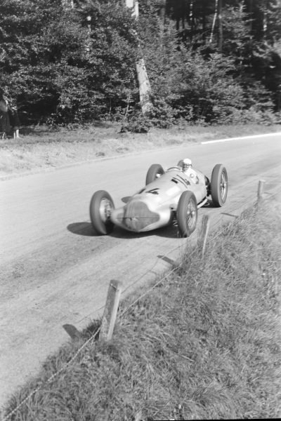 Hermann Lang, Mercedes-Benz W154.