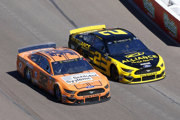 #2: Brad Keselowski, Team Penske, Ford Mustang Alliance Truck Parts and #32: Corey LaJoie, Go FAS Racing, Ford Mustang Schluter
