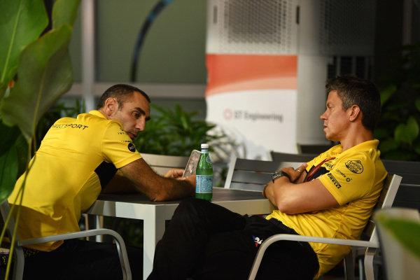 Cyril Abiteboul, Renault Sport F1 Managing Director and Marcin Budkowski, Renault Sport F1 Team