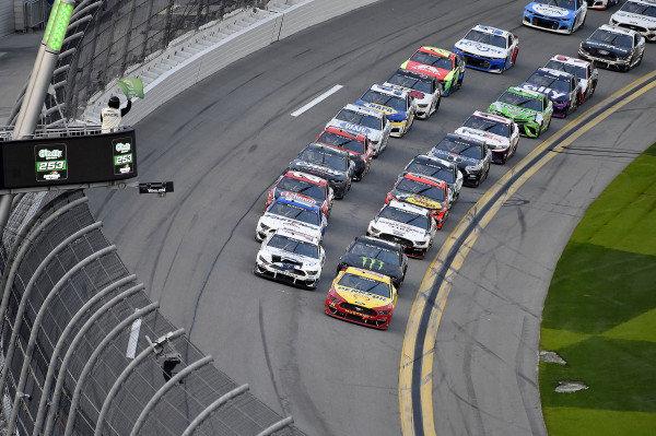 #22: Joey Logano, Team Penske, Ford Mustang Shell Pennzoil leads