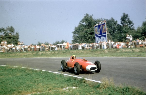 1957 Italian Grand Prix.Monza, Italy.6-8 September 1957.Luigi Musso (Lancia-Ferrari D50 801) 8th position.Ref-57 ITA 23.World Copyright - LAT Photographic