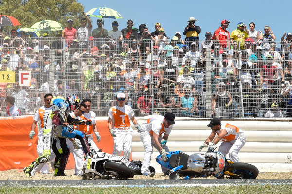 2017 MotoGP Championship - Round 4 Jerez, Spain Sunday 7 May 2017 Jack Miller, Estrella Galicia 0,0 Marc VDS, Alvaro Bautista, Aspar Racing Team crash World Copyright: Gold & Goose Photography/LAT Images ref: Digital Image 16043
