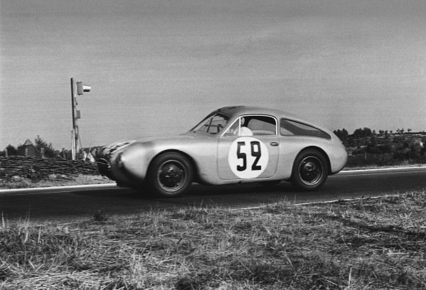Le Mans, France. 14th - 15th June 1952 Charles Plantivaux/Robert Chancel (Dyna Panhard Coupe), 12th position, action. World Copyright: LAT Photographic Ref: L583 - 7-7A.