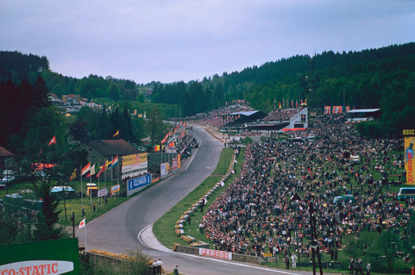 Spa-Francorchamps, Belgium. 3-5 June 1955. View of start/finish straight, pits and Eau Rouge. Atmosphere. Ref-55 BEL 04.World copyright - LAT Photographic