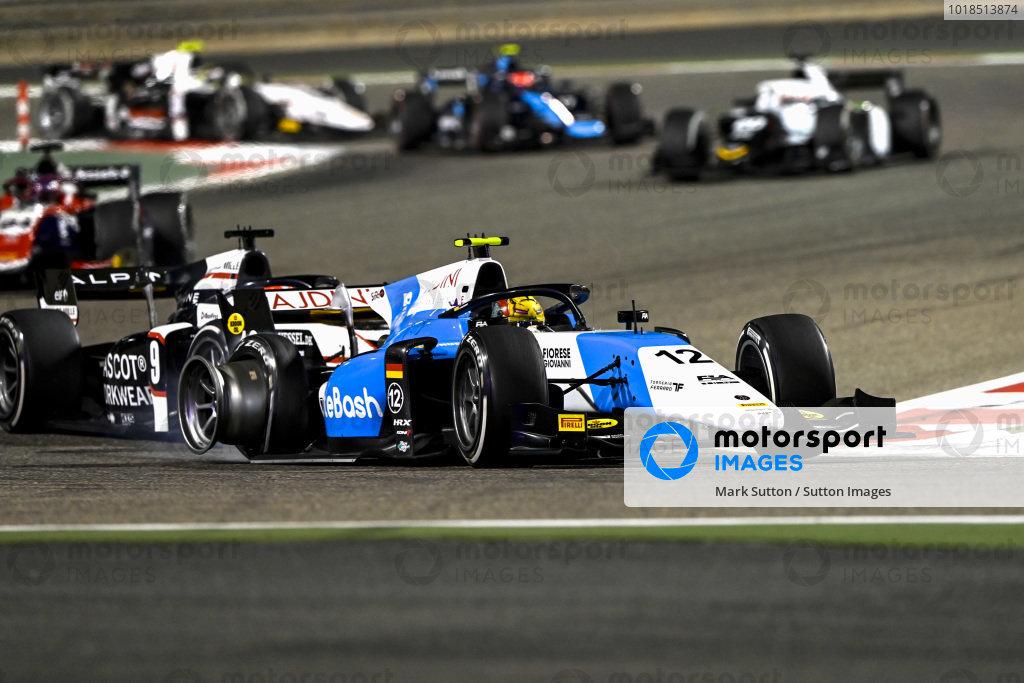 Lirim Zendeli (DEU, MP Motorsport), leads Christian Lundgaard (DNK, ART Grand Prix), with a puncture