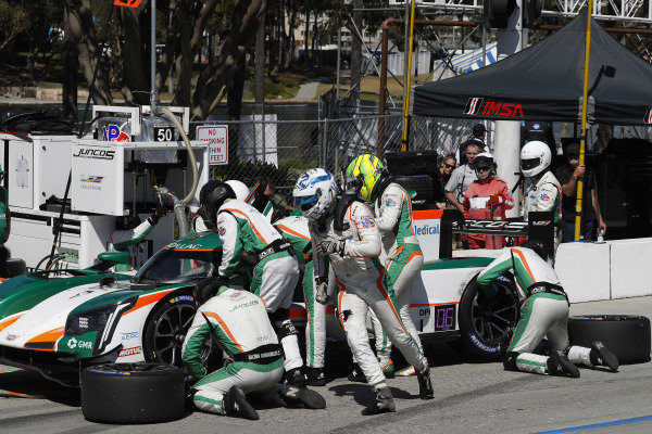 #50 Juncos Racing Cadillac DPi, DPi: Will Owen, Kyle Kaiser, pit stop