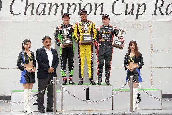Round 14 Winner Enaam Ahmed, B-Max Racing with Motopark F3, celebrates on the podium with Sacha Fenestraz, B-Max Racing with Motopark Dallara F314 Volkswagen, 2nd position and Ritomo Miyata, Corolla Chukyo Kuo TOM'S Dallara F317 Toyota, 3rd