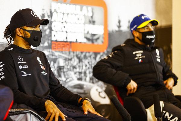 Race Winner Lewis Hamilton, Mercedes-AMG Petronas F1 and Daniel Ricciardo, Renault F1 in the press conference