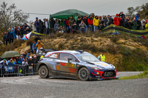 The fight for the 2018 WRC Drivers Championship is an intense three-way affair. Current leader i sThierry Neuville, Hyundai Motorsport, Hyundai i20 Coupé WRC 2018,