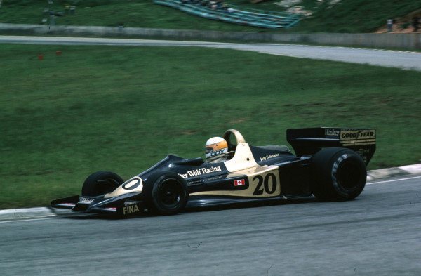 1977 Argentinian Grand Prix.Buenos Aires, Argentina.7-9 January 1977.Jody Scheckter (Wolf WR1 Ford) 1st position. Winning first time out in the team's debut Grand Prix. World Copyright - LAT Photographic