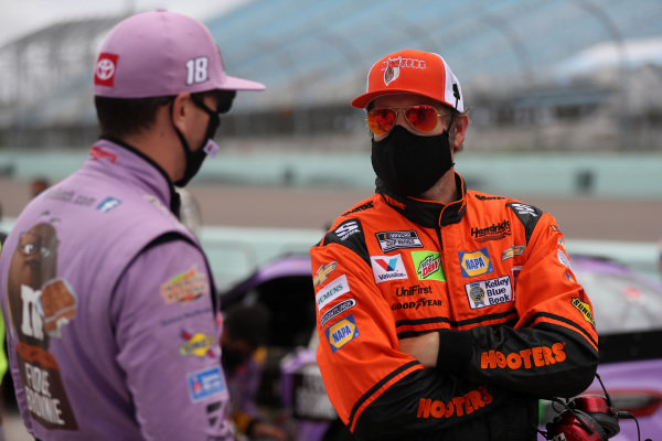 Kyle Busch, Joe Gibbs Racing Toyota M&M's Messages, Chase Elliott, Hendrick Motorsports Chevrolet Hooters, Copyright: Chris Graythen/Getty Images.