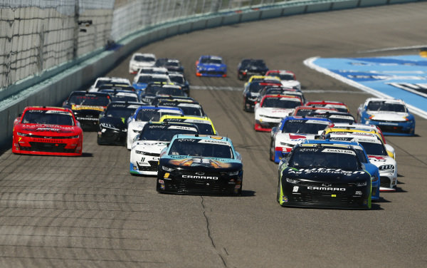 Ross Chastain, Kaulig Racing Chevrolet Nutrien Ag Solutions, Noah Gragson, JR Motorsports Chevrolet PUBG MOBILE, lead the field, Copyright: Michael Reaves/Getty Images.