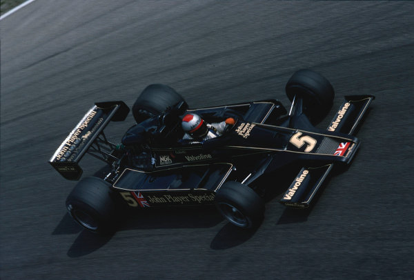 1977 Italian Grand Prix.Monza, Italy. 9-11 September 1977.Mario Andretti (Lotus 78 Ford), 1st position. Ref-77 ITA 21.World Copyright - LAT Photographic