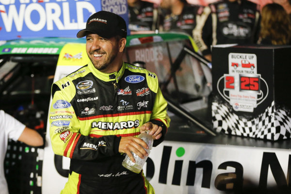 #88: Matt Crafton, ThorSport Racing, Ford F-150 Rip It/ Menards congratulates #41: Ben Rhodes, ThorSport Racing, Ford F-150 Alpha Energy Solutions in victory lane