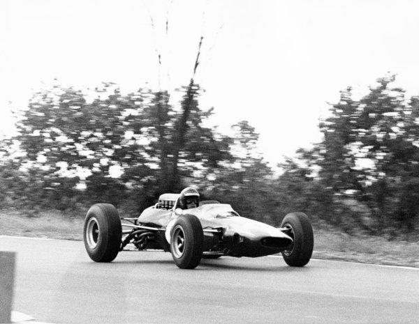1965 United States Grand Prix.Watkins Glen, United States. 3 October 1965.Mike Spence, Lotus 33-Climax, retired, action.World Copyright: LAT PhotographicRef: b&w print