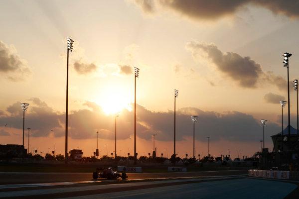 Yas Marina Circuit, Abu Dhabi, United Arab Emirates. Friday 27 November 2015. Max Verstappen, Toro Rosso STR10 Renault. World Copyright: Charles Coates/LAT Photographic ref: Digital Image _99O6796