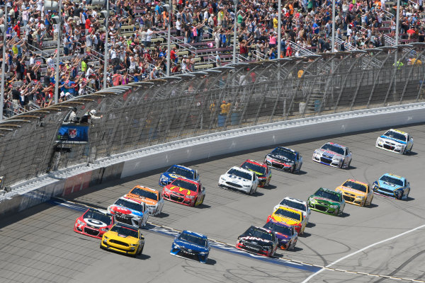 Monster Energy NASCAR Cup Series FireKeepers Casino 400 Michigan International Speedway, Brooklyn, MI USA Sunday 18 June 2017 Ford GT 350 pace car, Kyle Larson, Chip Ganassi Racing, Cars 3 Target Chevrolet SS, Martin Truex Jr, Furniture Row Racing, Auto-Owners Insurance Toyota Camry, Clint Bowyer, Stewart-Haas Racing, Haas-Automation Ford Fusion, Kyle Busch, Joe Gibbs Racing, M&M's Red, White & Blue Toyota Camry World Copyright: Logan Whitton LAT Images