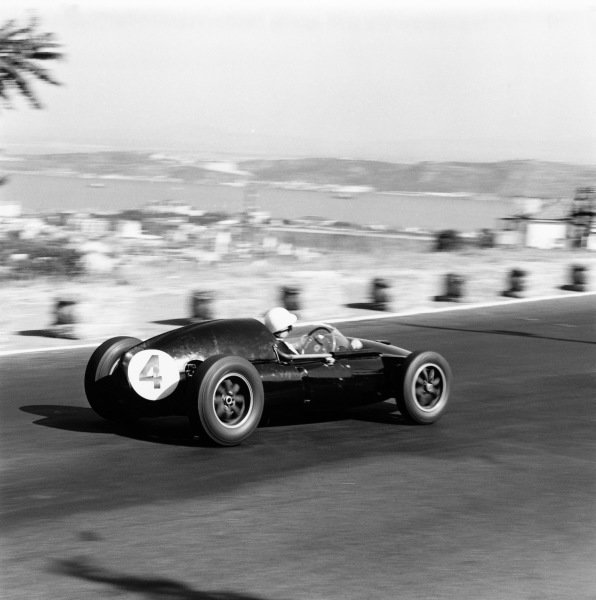 Monsanto, Lisbon, Portugal. 21st - 23rd August 1959.Stirling Moss (Cooper T51-Climax) 1st position, action.World Copyright: LAT Photographic.Ref: 4873.