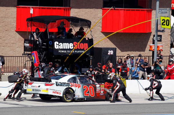 20-21 March, 2015, Fontana, California USA Erik Jones, Game Stop Toyota Camry pit stop ©2015, Matthew T. Thacker LAT Photo USA