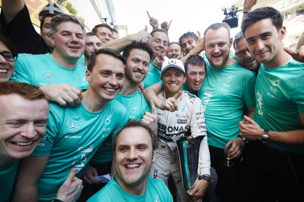 Circuit de Catalunya, Barcelona, Spain. Sunday 10 May 2015. Nico Rosberg, Mercedes AMG, 1st Position, celebrates with his team. World Copyright: Steve Etherington/LAT Photographic. ref: Digital Image SNE10375