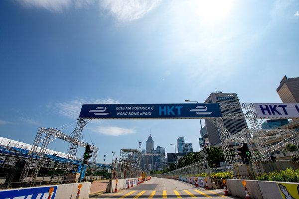 2016/2017 FIA Formula E Championship. Hong Kong ePrix, Hong Kong, China. Thursday 6 October 2016. A view of the start/finish straight. Photo: Zak Mauger/LAT/Formula E ref: Digital Image _X0W1014
