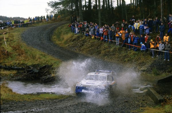 1986 World Rally Championship.Lombard RAC Rally, Great Britain. 16-19 November 1986.Jimmy McRae (MG Metro 6R4), 8th position.World Copyright: LAT PhotographicRef: 35mm transparency 86RALLY15