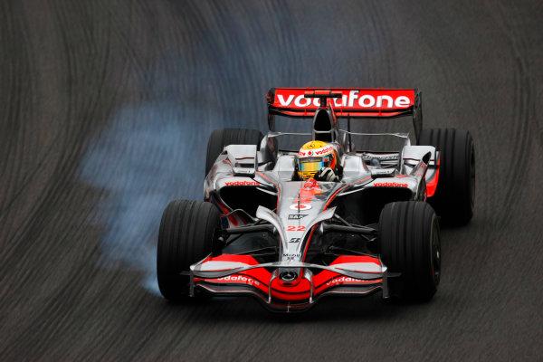 Interlagos, Sao Paulo, Brazil31st October 2008Lewis Hamilton, McLaren MP4-23 Mercedes. Action. World Copyright: Charles Coates/LAT Photographicref: Digital Image _26Y5998