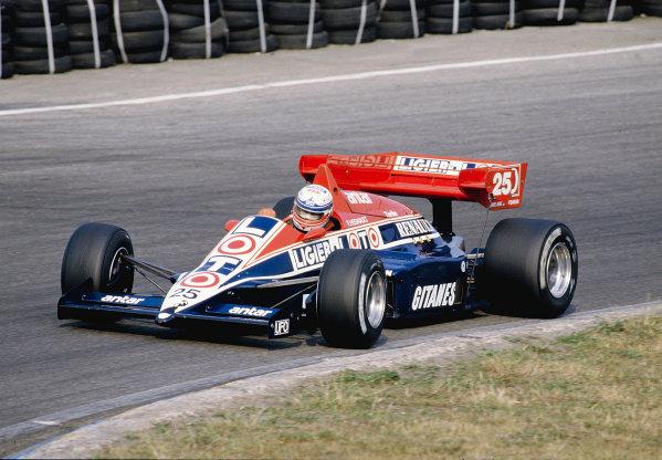 1984 Dutch Grand Prix.Zandvoort, Holland.24-26 August 1984.Francois Hesnault (Ligier JS23 Renault) 7th position.Ref-84 HOL 20.World Copyright - LAT Photographic