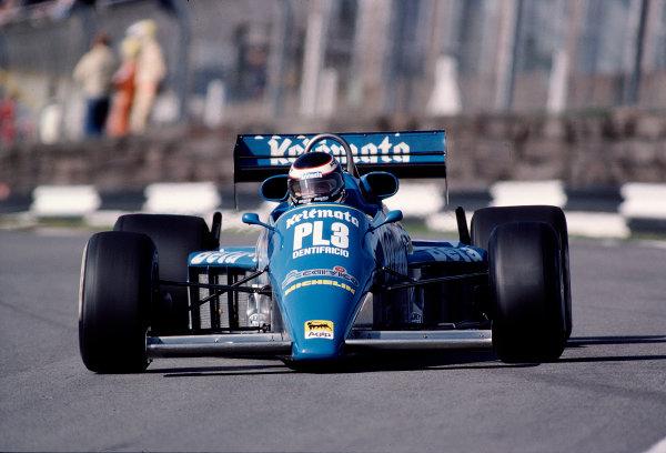 1983 European Grand Prix.Brands Hatch, England.23-25 September 1983.Corrado Fabi (Osella FA1E Alfa Romeo).  Ref: 83EUR26. World Copyright - LAT Photographic