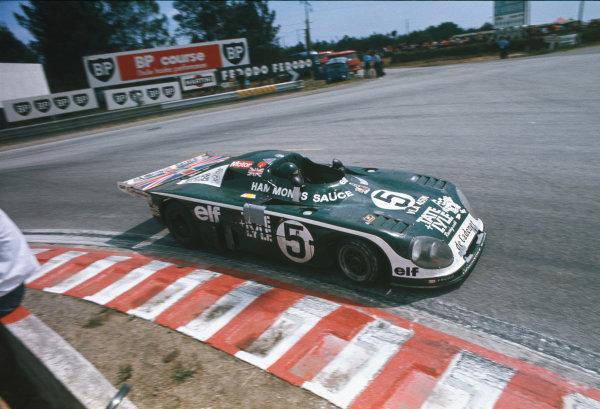Le Mans, France. 11th - 12th June 1977.Chris Craft/Alain de Cadenet (De Cadenet Lola LM-Ford Cosworth), 5th position, action. World Copyright: LAT Photographic.Ref:  77LM